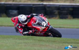 glenn-irwin-04-superbike-qualifying